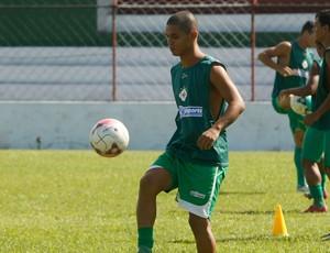 Fabrício, meio campista da Tuna no Parazão 2013, durante treino no Souza (Foto: Marcelo Seabra / O Liberal)