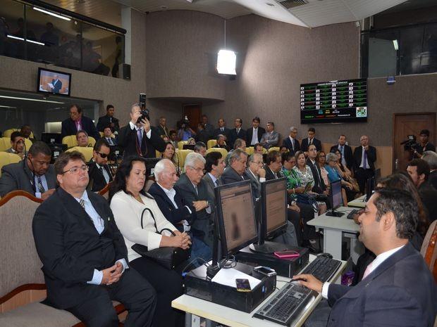 Sessão de abertura contou com a participação dos novos vereadores (Foto: Marina Fontenele/G1)