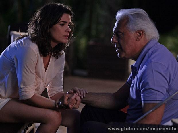 César questiona Aline (Foto: Pedro Curi / TV Globo)