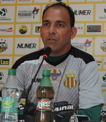 Rodrigo Ramos pede apoio a torcida do Sampaio (Foto: Vinícius Bogéa / Sampaio)