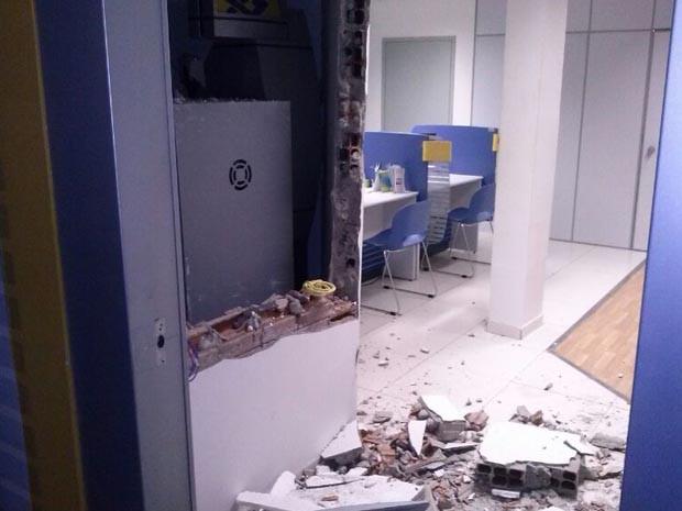 Banco explodido na Bahia (Foto: Irlando Oliveira/Major da Polícia Miitar)