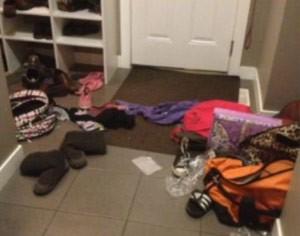 A bagunça das filhas de Jessica (Foto: Divulgação/BBC)
