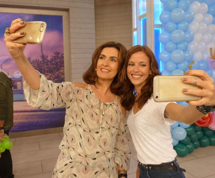 Fátima ao lado da atriz Fernanda de Freitas (Foto: Viviane Figueiredo Neto/Gshow)