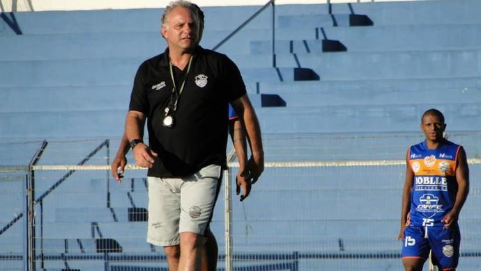 Toninho Cecílio, técnico do Comercial (Foto: Paulo Bahia / Comercial FC)