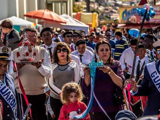 Mistura cultural e religiosa mantém festa há mais de 200 anos em Silvianópolis, MG (Foto: Chiarini Jr/ FCPA)