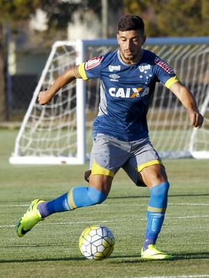 Arrascaeta em treino do Cruzeiro (Foto: Washington Alves / Light Press)