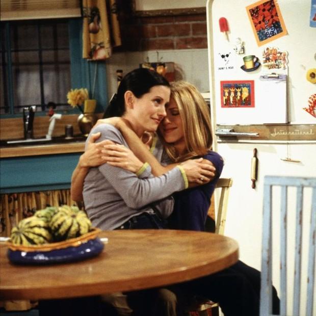 Monica e Rachel: amizade dentro e fora das telinhas (Foto: Reprodução)