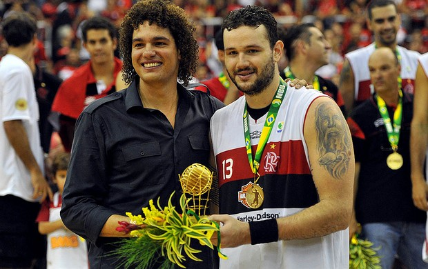 Basquete nbb Flamengo e Uberlândia final Caio Torres e anderson varejão (Foto: João PIres / LNB)