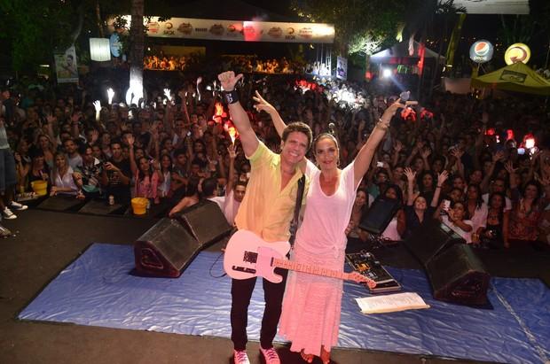 Tuca Fernandes e Ivete Sangalo em show em Salvador, na Bahia (Foto: Fred Pontes/ Divulgação)