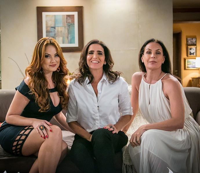 Leonora, Rebeca e Penélope se conhecerão no início da trama e se tornarão amigas inseparáveis (Foto: Paulo Belote/Globo)