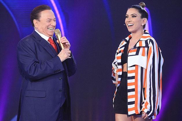 Raul Gil e Patricia Abravanel no palco do programa 'Máquina da Verdade' (Foto: Divulgação/SBT)