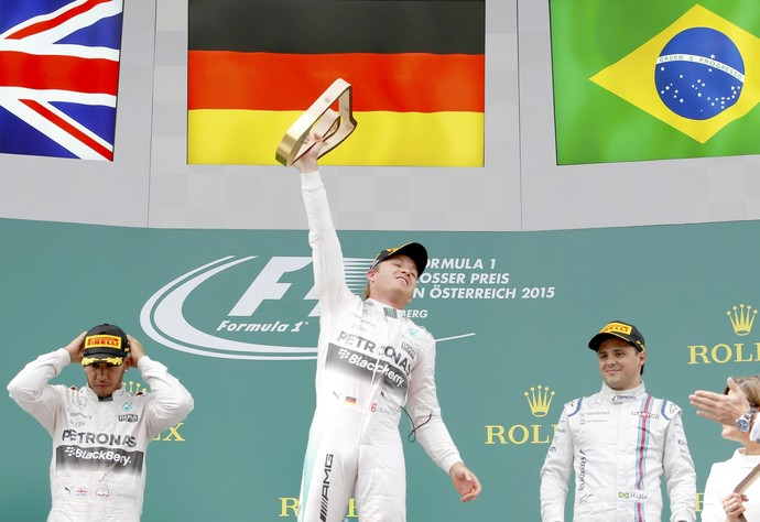 Nico Rosberg, Lewis Hamilton e Felipe Massa no pódio do GP da Áustria (Foto: Reuters)