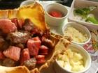 'Panela de Bairro' ensina cestinha de carnes com molho gongonzola