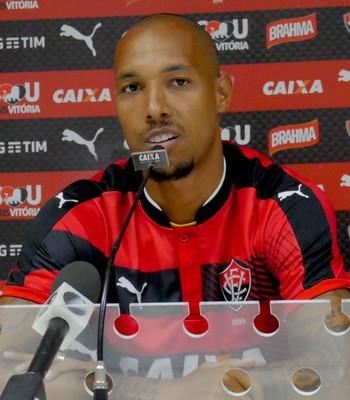 Alan Costa zagueiro do Vitória (Foto: R. Santin / EC Vitória)