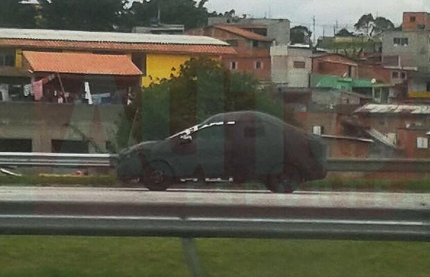 Novo Chevrolet Prima também é flagrado pelo leitor Rodrigo Souza Mendes (Foto: Rodrigo Souza Mendes)