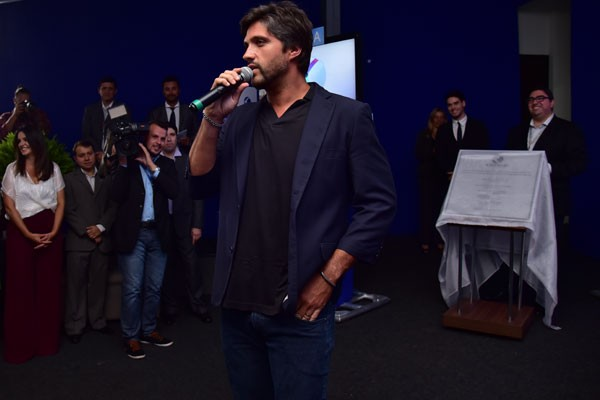 Léo Chaves da dupla Victor e Leo, também participou da cerimônia (Foto: Marise Romano)