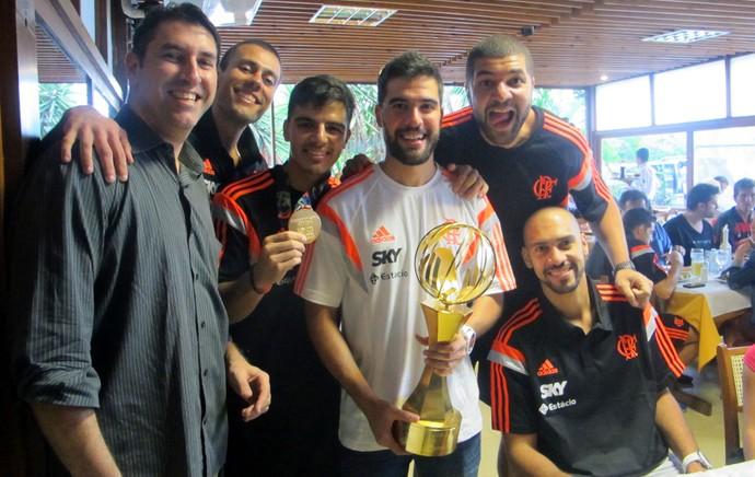 Festa flamengo basquete (Foto: Marcello Pires)