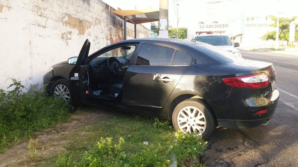 Motorista da UFRN estava indo buscar a reitora em casa, segundo a PM (Foto: José Anchieta de Freitas)