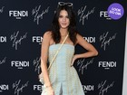 Look do dia: Kendall Jenner exibe as pernas na primavera francesa