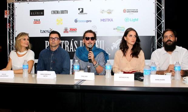 Paula Burlamaqui, Emílio Orciollo Neto, o diretor Caio Soh, Nathalia Dill e o produtor Denis Feijão (Foto: Thiago Duran/AgNews)