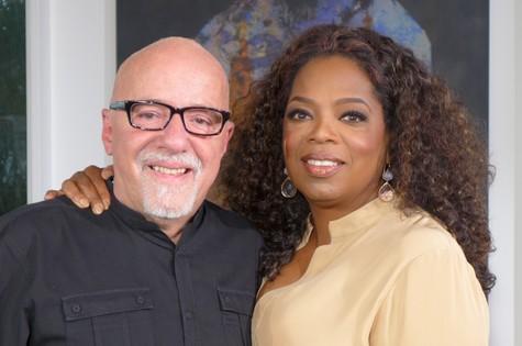 Paulo Coelho é entrevistado por Oprah (Foto: Divulgação/ Sextante)