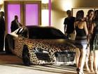 Justin Bieber vai a festa de Selena Gomez com carro de oncinha, diz site