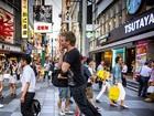 'Flutuando' no Japão, Michel Teló celebra quatro anos de carreira solo