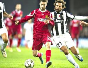 Laudrup e Pirlo, Nordsjaelland e Juventus (Foto: Agência Reuters)
