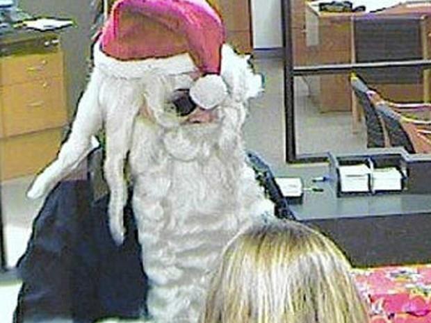 Com fantasia de Papai Noel, ladrão conseguiu fugir após roubar banco na Flórida (Foto: Divulgação/Port orange Police Department)