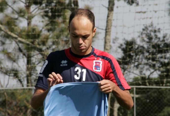 Carlão, novo atacante do Paraná Clube (Foto: Divulgação/Paraná Clube)