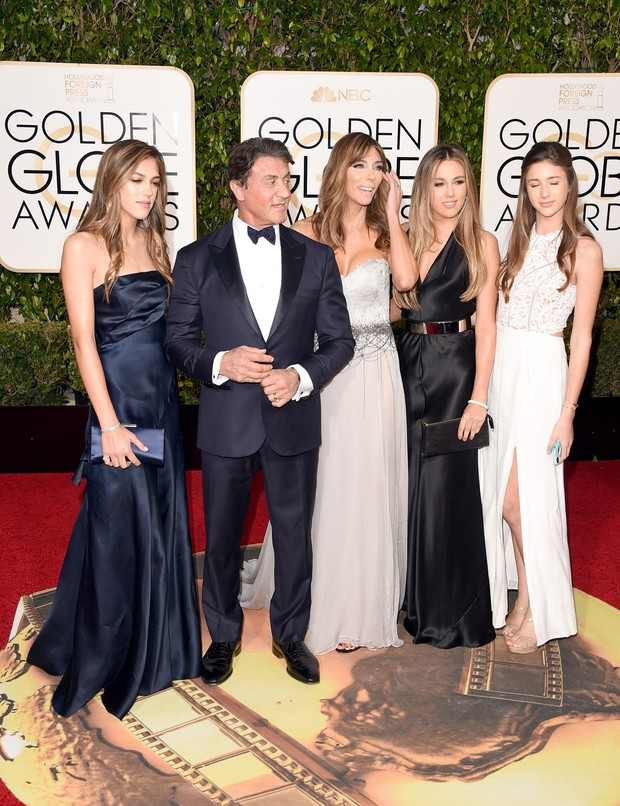 Sylvester Stallone com a mulher Jennifer Flavin e as filhas Sophia Rose Stallone, Scarlet Rose Stallone e Sistine Rose Stallone (Foto: Getty Image)