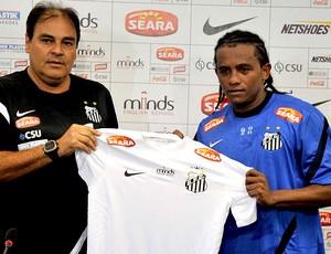 Pinga apresentado no Santos (Foto  Ivan Storti   Site Oficial do Santos) 76f770864dde1