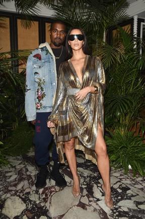 Kanye West e Kim Kardashian em festa em Paris, na França (Foto: Jacopo Raule/ Getty Images)
