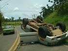 Caminhonete capota e homem morre na estrada do Barreiro em Taubaté