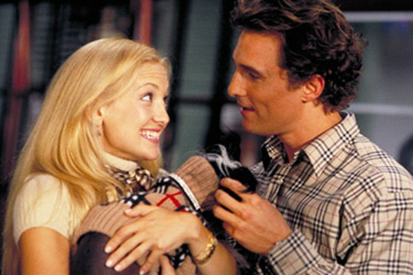 Kate Hudson e Matthew McCounaghey, além de formarem um belo casal, sabem bem como mesclar sua química em frente às câmeras com a comédia. Isso pode ser visto em 'Como Perder um Homem em 10 Dias' (2003 - foto) e 'Um Amor de Tesouro' (2008). (Foto: Divulgação)