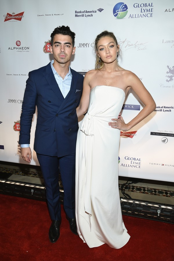 O cantor Joe Jonas e a modelo Gigi Hadidi (Foto: Getty Images)