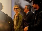 Após cena de estupro em 'Verdades', Grazi Massafera é só sorrisos no Rio