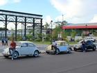 No Dia Mundial do Fusca, motoristas declaram amor ao carro, em Manaus
