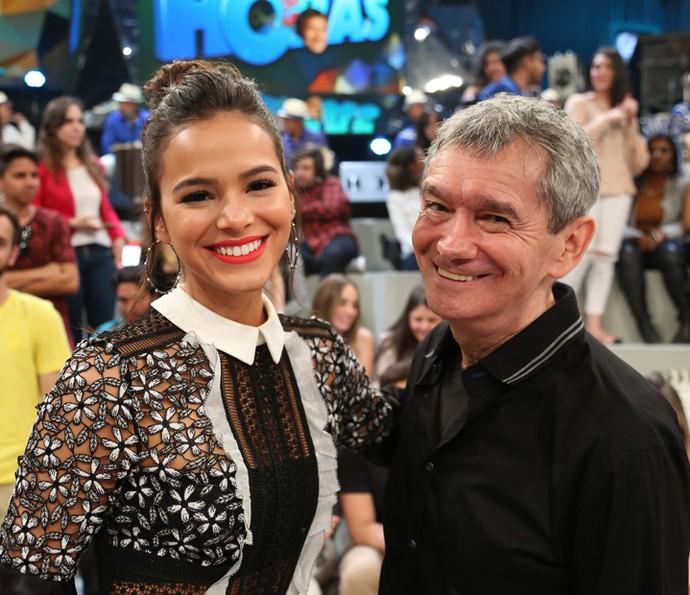 Bruna Marquezine com Serginho Groisman no 'Altas Horas' (Foto: Carol Caminha/Gshow)
