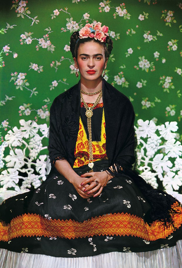 Nickolas Muray, 'Frida Kahlo en una banca #5' (Foto: The Gelman Collection, Nickolas Muray Photo Archives/ Divulgação)