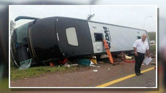 Passageiros relatam pânico após acidente com ônibus na Argentina