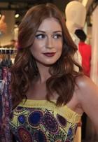 Marina Ruy Barbosa atrai olhares durante evento de moda no Rio