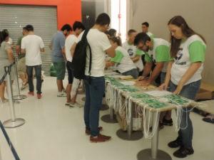 Organizadores  passaram as instruções necessárias para as partidas (Foto: Bruna Alves/G1)