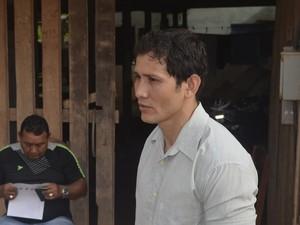 Gilliarde Assunção, de 33 anos, recorreu à justiça para tirar o pai da cadeia (Foto: Dyepeson Martins/G1)