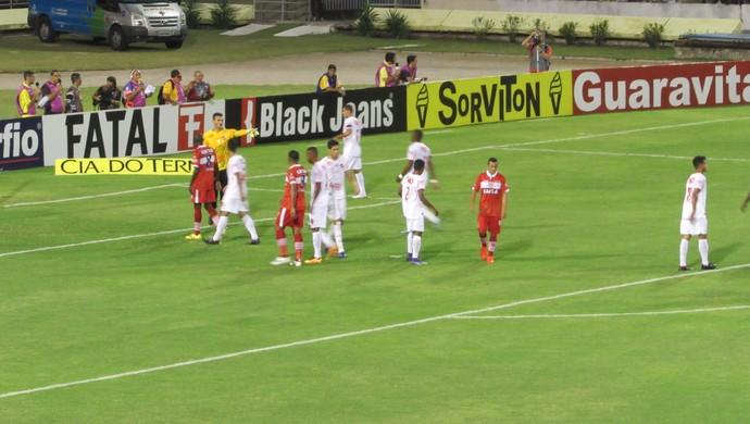 CRB x Vila Nova, no Rei Pelé (Foto: Denison Roma / GloboEsporte.com)