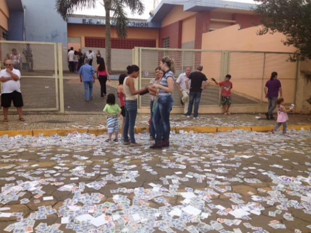 Eleição segue tranquila em Coronel Macedo (SP). (Foto: Jéssica Pimentel / G1)