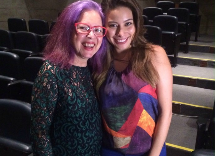 Tetê Espíndola posa com a repórter do Vídeo Show Marcela Monteiro nos bastidores da entrevista (Foto: Arquivo Pessoal)