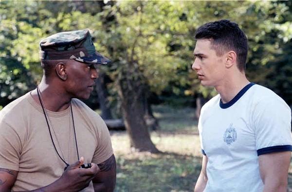James Franco e Tyrese Gibson em 'Annapolis' (2006) (Foto: Divulgação)