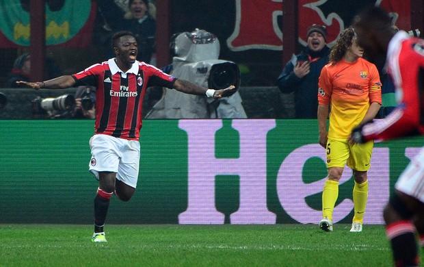 Muntari comemora, Milan x Barcelona (Foto: AFP)