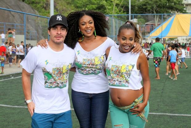 Roberta Rodrigues, Thiago Martins e Cris Vianna (Foto: Delson Silva dos Santos / AgNews)